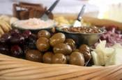 Ideas To Prepare Cheese & Olive Trays